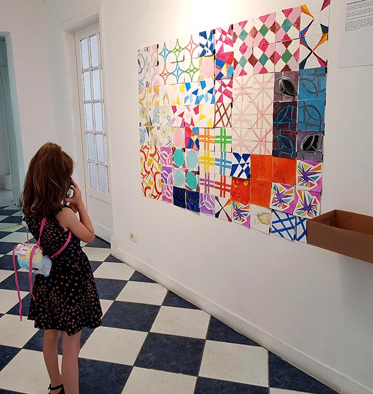 Exposição Arte para Crianças desenhos quebra-cabeças cores