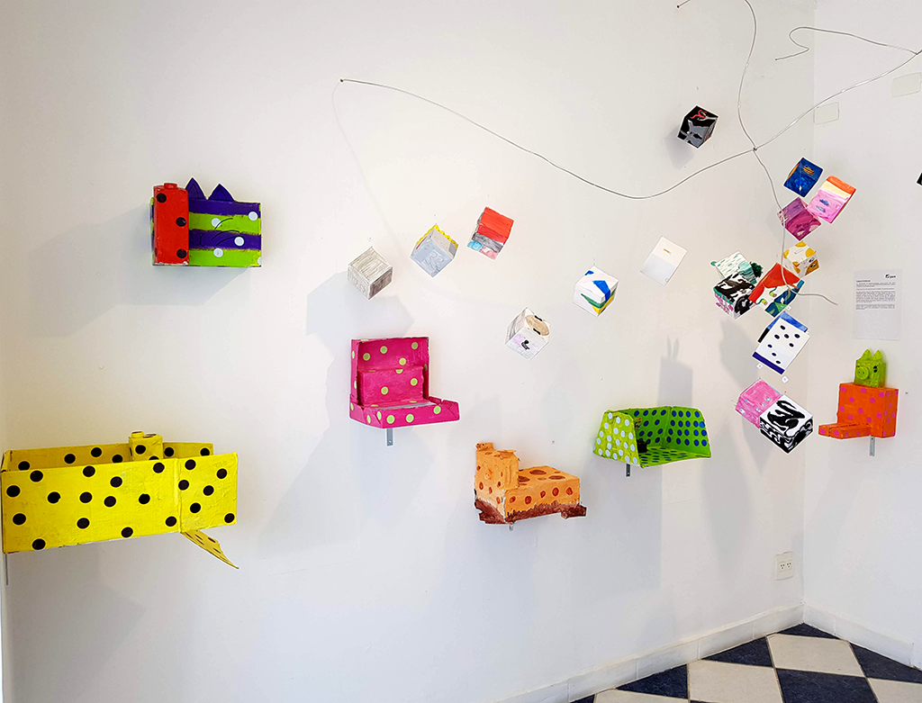Exposição Arte para Crianças objetos cores yayoi