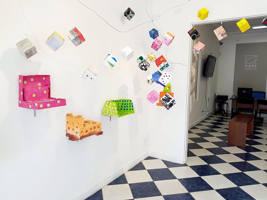 Exposição Arte para Crianças objetos cores