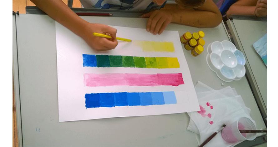 kids desenho criança pintando cores com guache
