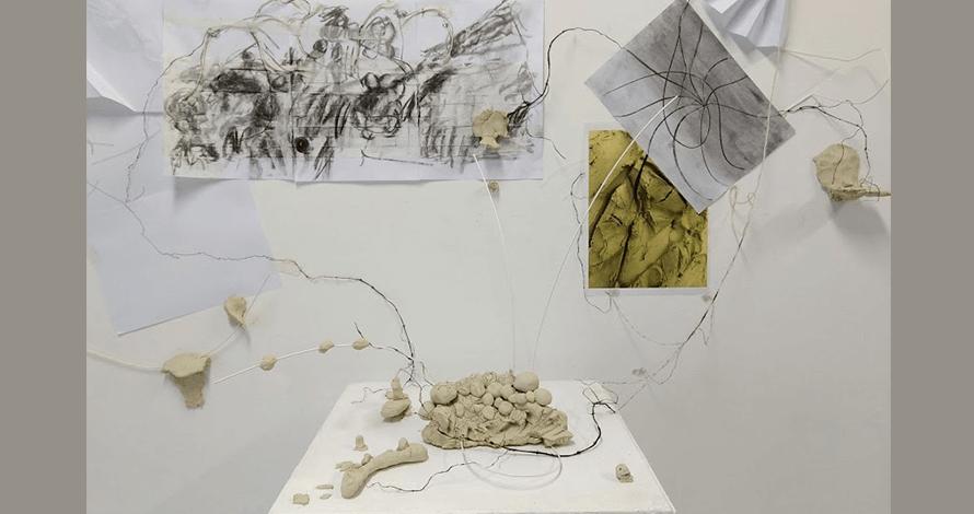 Praticas de Artista oNUCLEO objeto tridimensional em argila papel e arame