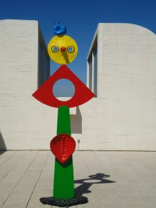 questão de responsabilidade miró escultura museu Barcelona
